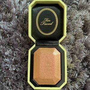 Too Faced Diamond Light Highlighter-Canary Diamond